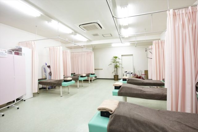 柳沢駅前接骨院施術スペース